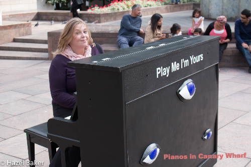 Play a piano in Canary Wharf