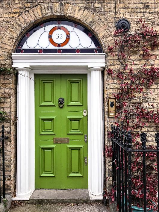 Green doorway A Road to Ruin Walk - discover the relationship of Londoners and their alcohol